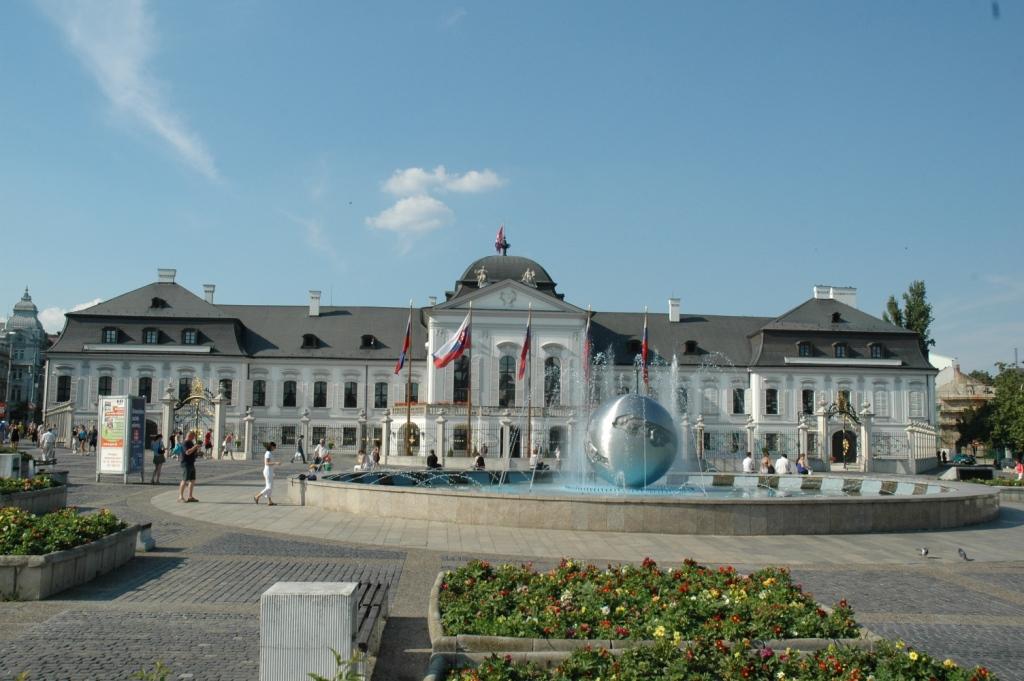 Bratislava travel service hotely apartm ny prehliadky for Design hotel 21 bratislava kontakt